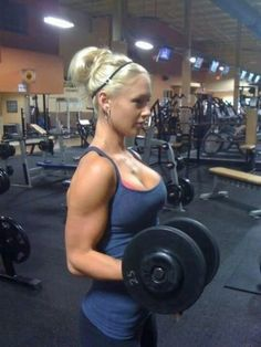 Crossfit women with big boobs